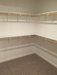 apartments with walk in closet available in marion
