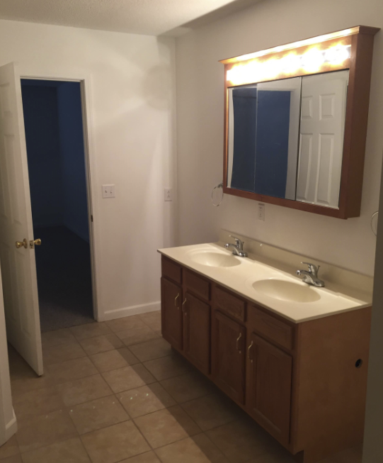 apartments with garage for lease marion